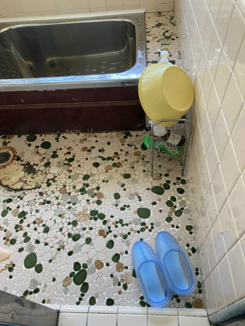 浴室床シート貼り施工工事 現場調査のご依頼